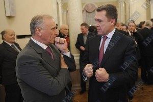 Глава Государственного комитета по вопросам науки, инноваций и информации Украины Владимир Семиноженко (справа)