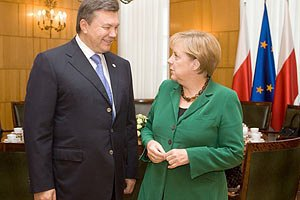 Янукович надеется на поддержку Меркель евроинтеграции Украины