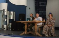 Брат Путина представил в Крыму книгу о президенте России