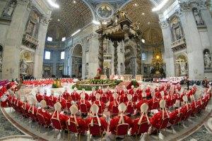 В Ватикане началась торжественная церемония открытия конклава