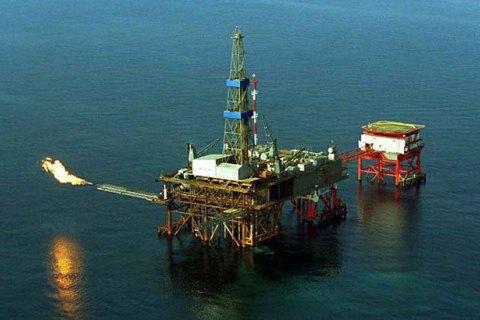 ГосПС: Росія встановлює вЧорному морі захоплену вКриму українську нафтовидобувну платформу
