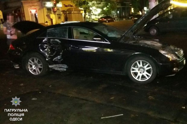 ВОдесі водій Mercedes влаштував ДТП і відкрив стрілянину