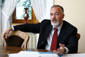 """Азаров вважає, що в Табачника """"перегруз"""""""