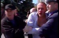 """Шуфрич сбежал от активистов на автобусе """"титушек"""""""