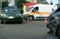 На перекрестке Перова и Запорожца в Киеве BMW протаранил Chevrolet