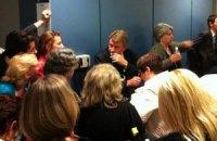 Пассажиры рейса Нью-Йорк - Киев не могут вылететь в Украину