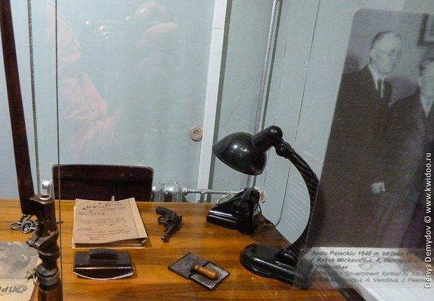 Кабинет следователя в музее КГБ в Вильнюсе