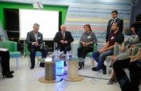 Азаров: в этом году лопату в руки можно уже не брать