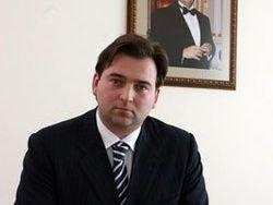 АП: рабочий день Януковича длится по 14 часов