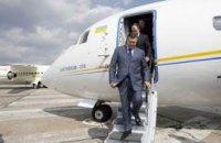 Янукович будет добираться домой на самолете