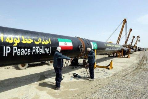 Иран рассчитывает нарастить экспорт нефти до 2 млн баррелей в сутки