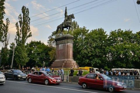 Мінкульт обговорить з громадськістю долю пам'ятника Щорсу