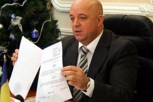 Хмельницький губернатор запевняє, що в області повна демократія