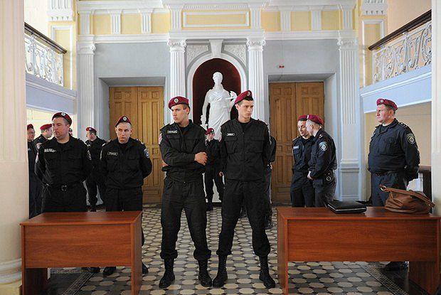 Первое заседание по делу ЕЭСУ в Харькове охранял усиленный отряд «грифоновцев»
