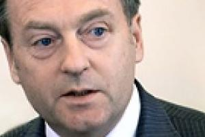 Лавринович уверен, что Литвин не имеет права лишать депутатов зарплаты