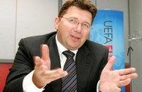 Евро-2012 обещают не переносить в другую страну