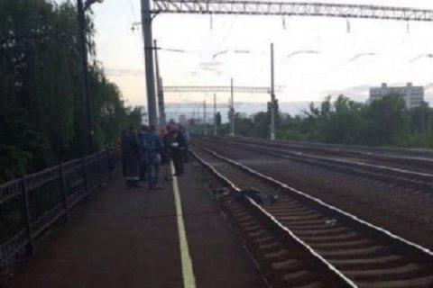 В Киеве девушка погибла под колесами поезда