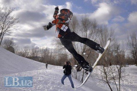 Взаснеженных Карпатах заблудился сноубордист