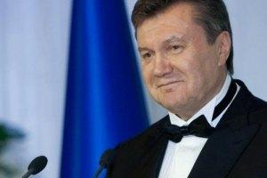 Янукович поздравил христиан западного обряда с Рождеством