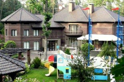 Суд арестовал дом Кузьмина в Пуще-Водице