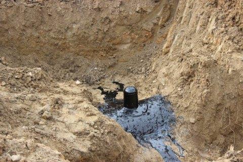 На территории воинской части нашли врезку в магистральный нефтепровод