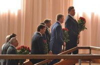 Янукович простился с мэром Енакиево