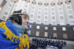 У Азарова отрицают обсуждение целесообразности введения чрезвычайного положения
