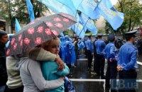 В Мариуполе возникла давка из-за бесплатных зонтиков от ПР