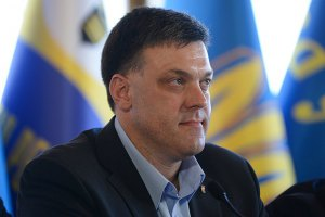 Янукович договорился с Путиным и не хочет в ЕС, - Тягнибок