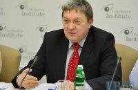 Экс-министр: валютные спекуляции стали самым выгодным бизнесом в Украине