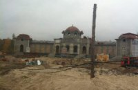 Иванющенко строит крупный особняк в Конча-Заспе