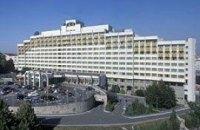 """Янукович намерен вернуть себе """"Президент-отель"""""""