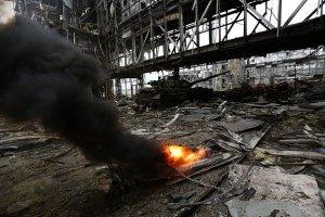 В Донецком аэропорту сегодня двое убитых и 15 раненых (обновлено)