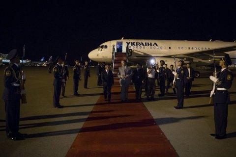 Порошенко начал официальный визит в Азербайджан