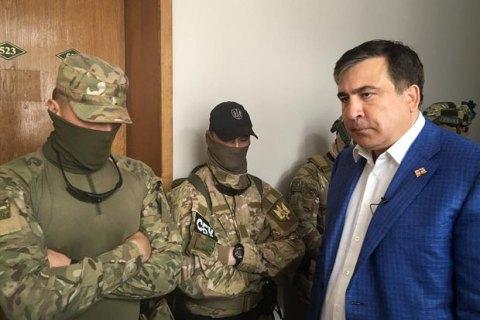 «Шваль ишвондеры»: Саакашвили обругал организаторов обысков водесской администрации