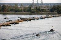 Военные провели учения по наведению понтонной переправы через Днепр