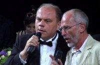 Янукович хочет, чтобы Кулиняк спел и сыграл на следующем съезде церквей