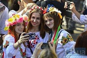 В Киеве прошел 16-й Мегамарш вышиванок