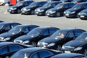 У Порошенко пообещали армии 53 машины из автопарка Госуправления делами