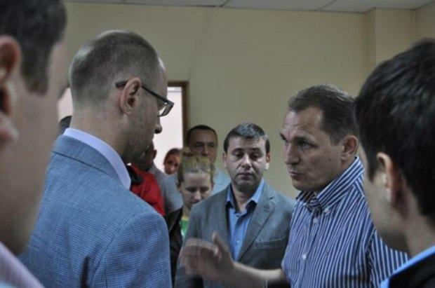 Сергей Сабов (справа)