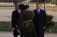 Капитан караула едва не срубил себе голову перед Януковичем и Алиевым