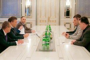 Янукович встречается с лидерами оппозиции