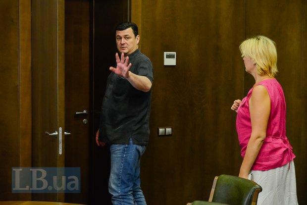 Продемонстрировать уровень своего разговорного украинского министр не захотел, попросив корреспондента LB.ua его не мучить и отпустить на следующую встречу.
