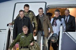 Освобожденные инспекторы из стран ОБСЕ прибыли в Берлин