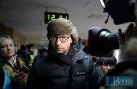 Яценюк: я не покупаюсь за должности