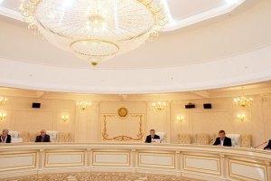 Переговоры в Минске продолжаются уже три часа
