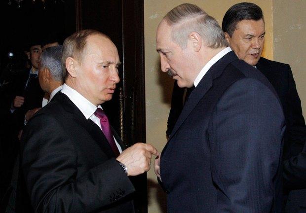 Лукашенко и Путин научились управлять своей диктатурой. Виктор Федорович - на ранних этапах уверенного пути