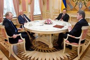 Общенациональный круглый стол запланирован на 14.00. Янукович уже встречается с президентами