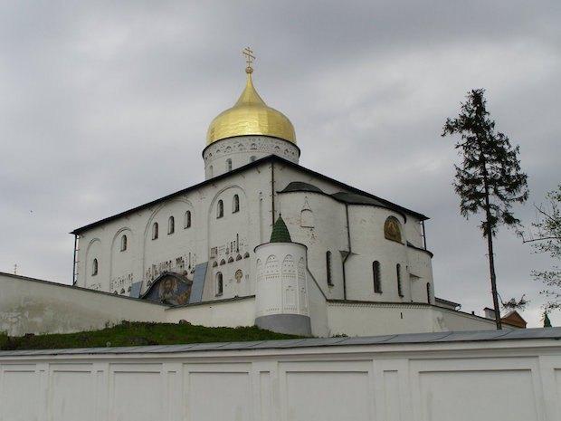 Софія Київська – територія розбрату
