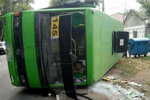 ВОдессе маршрутка потеряла колесо иперевернулась: пострадали покрайней мере 5 человек